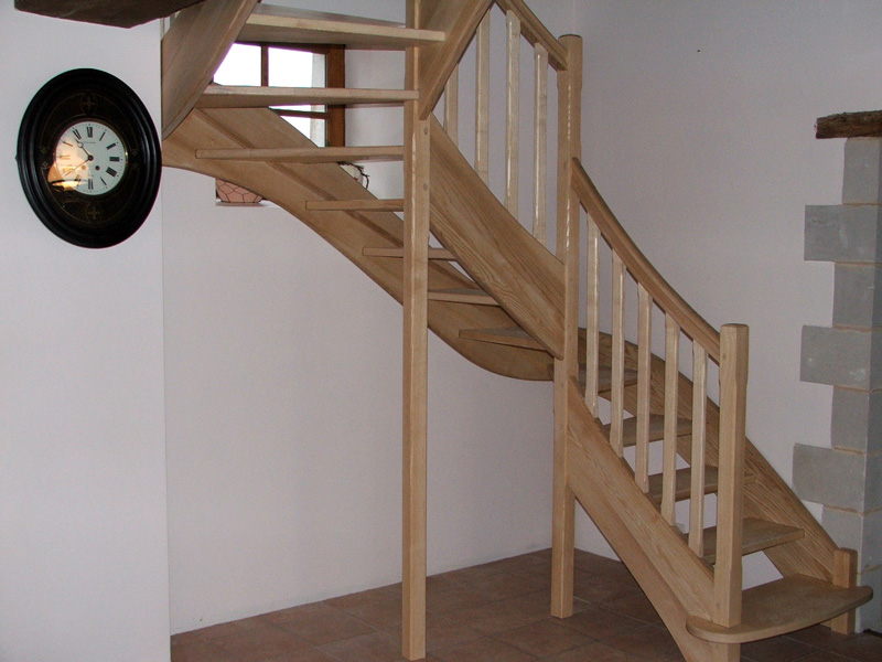 escaliers atelier liard menuisier tous travaux de fabrication bois. Black Bedroom Furniture Sets. Home Design Ideas